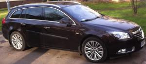 Opel Insignia, koniecznie z xenonem, bezwypadkowy i z przebiegiem poniżej 150 000 km, koniecznie za mniej niż 30000 zł - idealny samochód dla kupującego